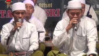 Al Munsyidin  Bimaulidil Hadi. Live Di Desa Glandang 21 Nop 2015