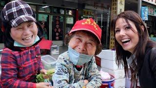 外國樣貌的女孩用台語嚇死菜市場阿姨叔叔們😄 | 桃園南門市場