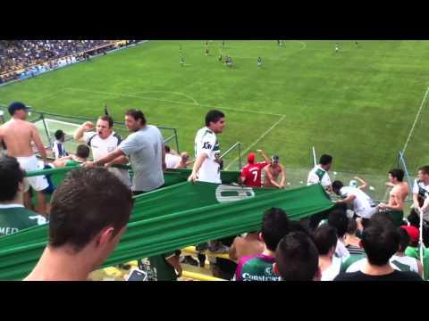 """Verde, vos sos mi vida"" Barra: La Banda 100% Caballito • Club: Ferro Carril Oeste"