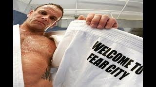 Jonny Lee Miller training Muay Thai   Elementary/Sherlock Holmes workout