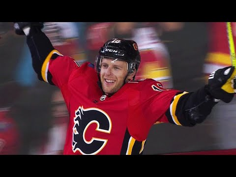 Flames score four unanswered against Jets in second period