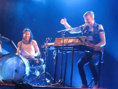 Matt & Kim - Get It (Live @ Heaven, London, 28/05/15)
