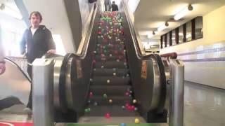 Эскалатор в мячиках