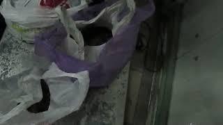 На погранпереходе в Чернышевском задержали грузовик с 10 кг контрабандного янтаря