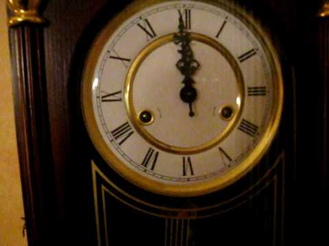 How To Adjust Chime Clocks Ehow Party Invitations Ideas
