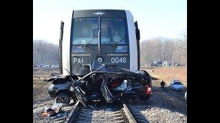 Безумие на жд переездах  Аварии поездов с автомобилями