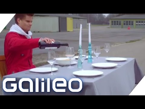 Experiment: Tischdecke VS. 680PS | Galileo | ProSieben