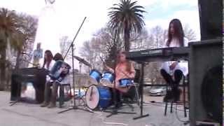 preview picture of video 'Himno Nacional Argentino - Interpretacón por los nietos del profe Antuña.'