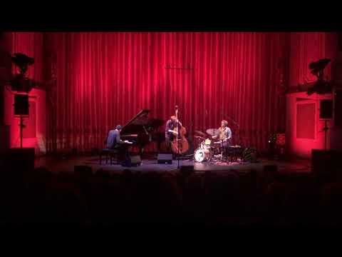 Lorenz Kellhuber Trio - Improvisation Part I (live at Stadttheater Regensburg)