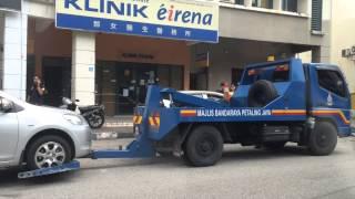 MBPJ Towing in Action (Damansara Perdana)