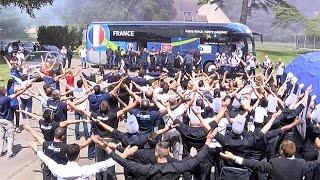 L'Equipe de France de retour à Clairefontaine après France - Allemagne