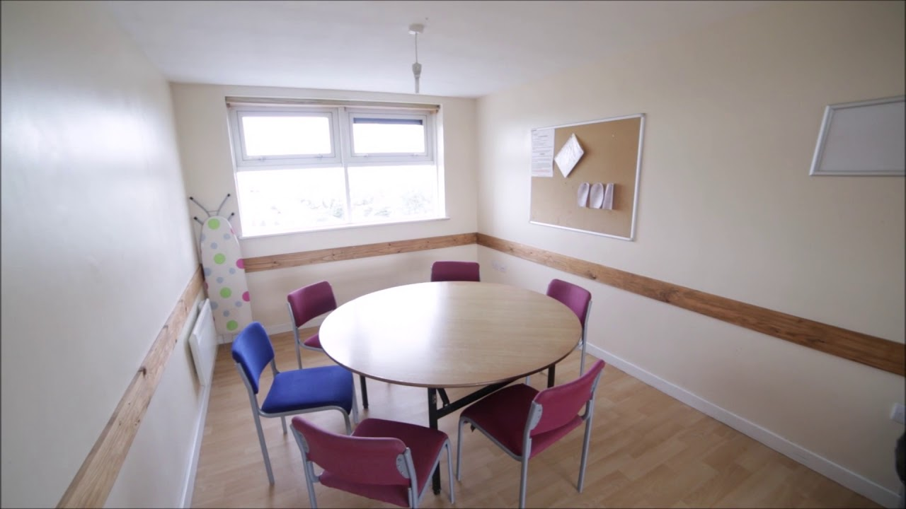 Single Bed in Rooms to rent in modern hall of residence to rent in Brentford