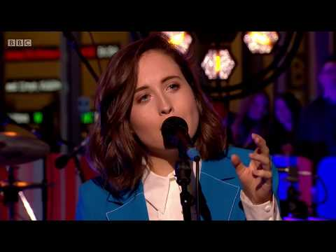 Alice Merton No Roots Live On The One Show 6 Apr 2018