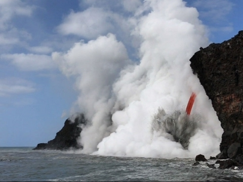 Video Giant Lava Stream Exploding into Ocean in Hawaii
