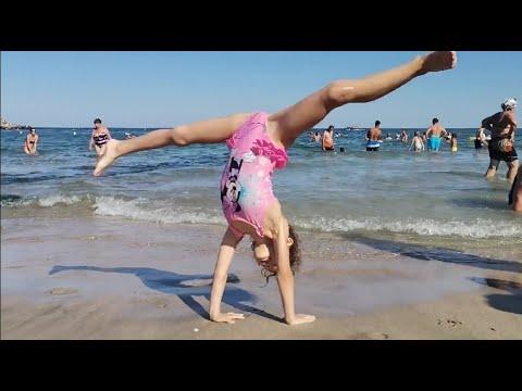 Rhythmic Gymnastics 🤸♀️ on the beach 🌊 6 years 🤸♀️ Andra