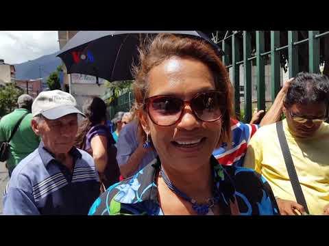 """Boikot terhadap """"Salt Bae"""" karena Menjamu Pemimpin Venezuela"""