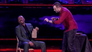 Steve Harvey gets TERRIFIED  by AMAZING mentalist   Season 1 Ep. 5   SHOWTIME AT THE APOLLO - dooclip.me