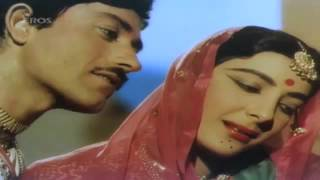 Holi Aayi Re Kanhai: By Lata, Shamshad - Mother   - YouTube