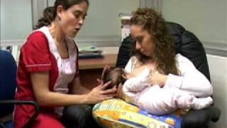 Lactancia: Posición Tradicional Facemama.com