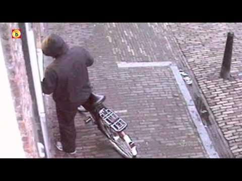 Bureau Brabant - Diefstal pinpassen uit woning Grave op 31 mei 2010