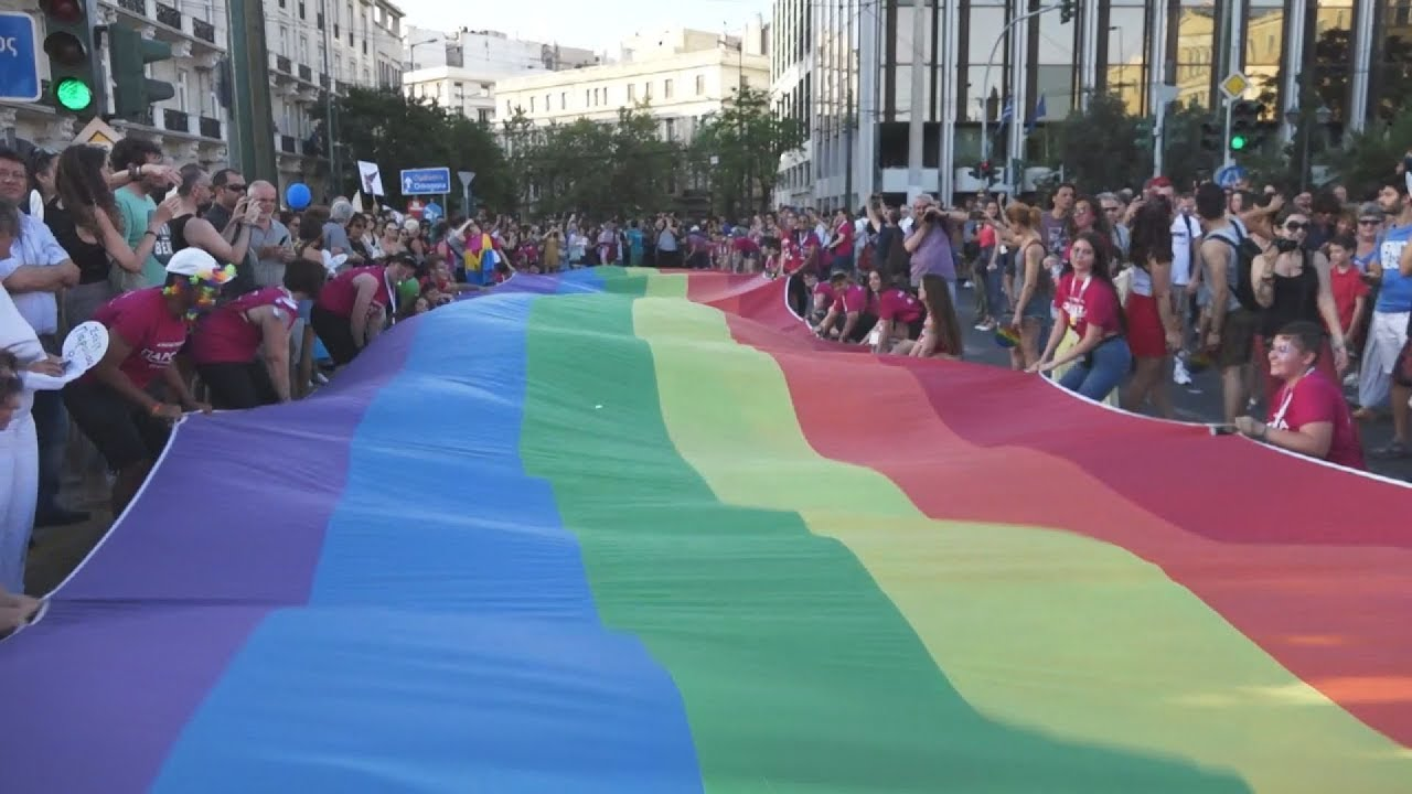 Με κεντρικό σύνθημα «Παρούσα» το Athens Pride