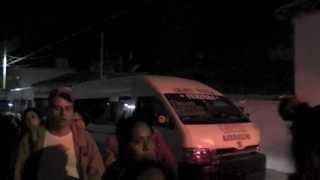 preview picture of video 'MEGA fila para abordar el transporte a Tuxtla en Chiapa de Corzo'