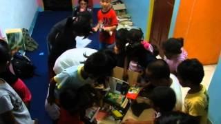 Saat Membuka Kiriman Paket Buku Dari Bupsurabaya