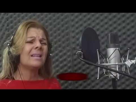 CLAUDIA FERRER EN RADIO ESTUDIO REY.-