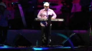 Te Pido Que Te Quedes (En Vivo) - Los Creadorez Del Pasito Duranguense  (Video)