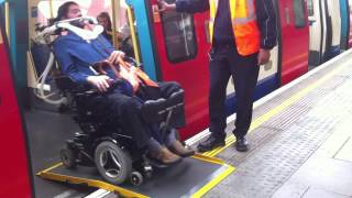 preview picture of video 'Kilburn Station Manual Boarding Ramp'