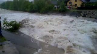 preview picture of video 'Powódz  Brenna nad rzeką Brennica masakra!'