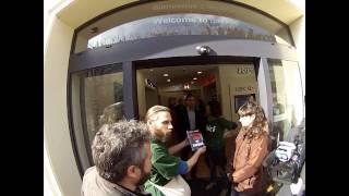 preview picture of video 'Vidéo de l'action Bizi à HSBC - Bizik HSBC bankuan egin ekintzaren bideoa'
