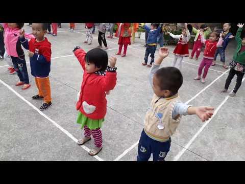 Cô và trò trường Mầm non Đa Mai chào ngày mới bằng bài thể dục sáng thật sôi động!