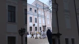 Пленные немцы в новгородском кремле