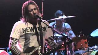FEEDER - Insomnia (Live in Madrid)