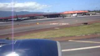 preview picture of video 'United Airlines 777-200 Takeoff Kahului Maui to San Francisco'