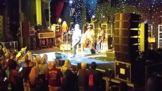 """Todd Rundgren """"Hello There"""" (Cheap Trick Cover) on Rock Legends Cruise V"""