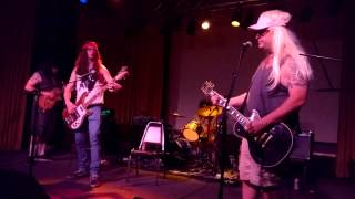 """HEP Z's Rendition of DEVO's """"Swelling Itching Brain"""" 8/15/15 Cleveland, OH"""