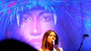 "KT Tunstall, ""The Entertainer"" live Shepherds Bush"