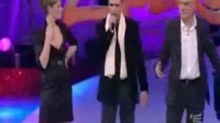"Video thumbnail of ""Checco Zalone canta Baciami ancora a Zelig"""