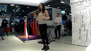Наташа Шелягина на выставке CEE 2017