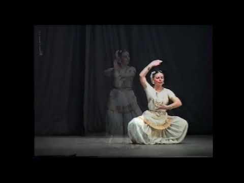 Mohini Attam from Mandira (Milana Severskaya).Shloka, end of performance