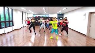 Reggaeton  Zum Zum  Daddy Yankee Rkm Y Ken-y Ft Arcangel  Zumba Korea Tv