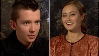 "Asa Butterfield and Ella Purnell play ""False or Peculiar"""