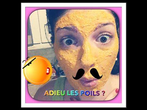 Le masque pour la personne des points noirs avec le citron et le miel