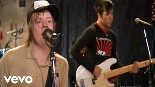 Gambar cover Fall Out Boy - Sugar, We're Goin Down (AOL Sessions) 2005