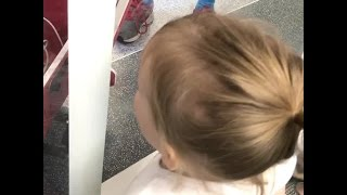 Sweet Moment Siblings Meet For First Time Caught On-Cam