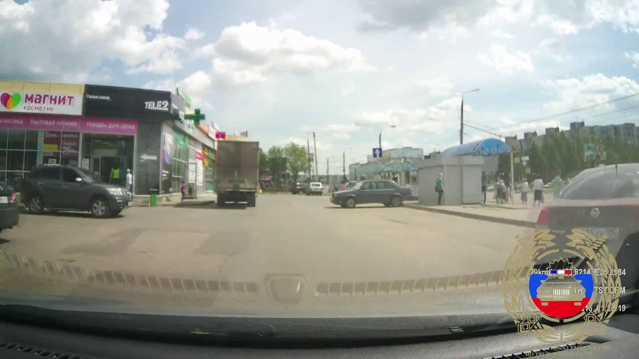 В Твери на ул. Можайского девушка за рулем «Киа Сид» сбила 4-летнего мальчика