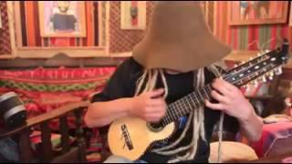 Música de charango en Jujuy interpretada por el duende