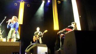 Mayra Andrade - We Used to Call It Love - Cenon - 13 février 2014